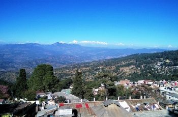 reach Ranikhet from Delhi